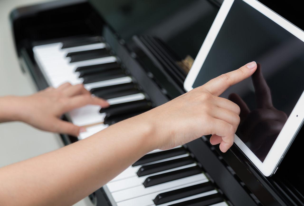 curso de piano teclado metodo triade heitor castro